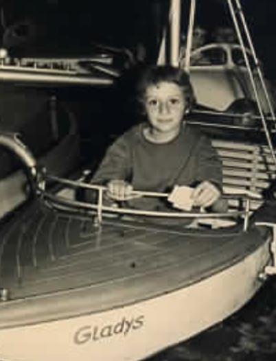 Joëlle Turin a los 9 años.
