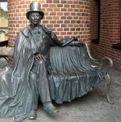 Estatua de Andersen en Odense.
