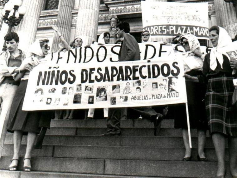 abuelas-plaza-de-mayo